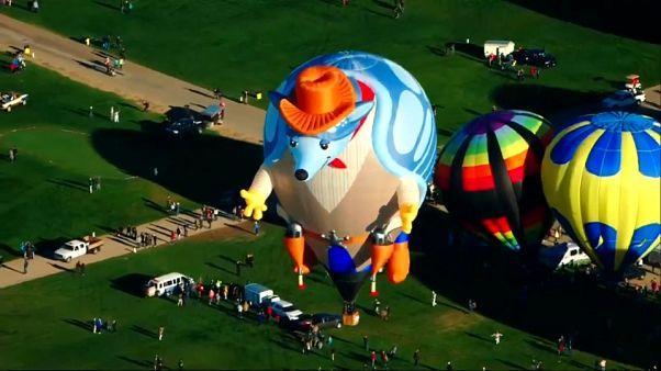 Meksika'nın semaları balonlarla doldu