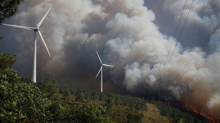 Várias frentes ativas em incêndios do centro do país