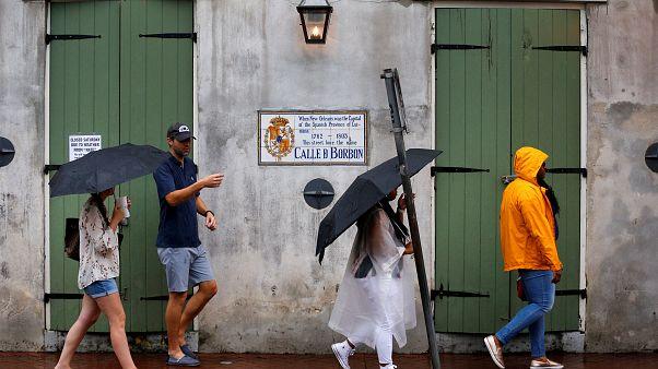 """إعصار """"نيت"""" يضرب السواحل الأميركية"""