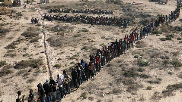 Mais de 3 mil migrantes detidos na Líbia