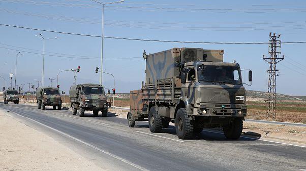 Török katonai járművek jelentek meg Szíriában
