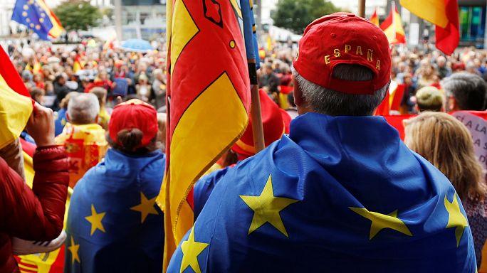 Milhares de barceloneses na rua pela unidade de Espanha