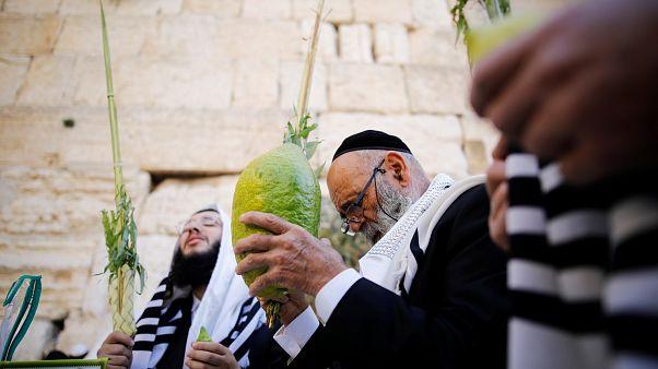 Prière de masse devant le Mur des Lamentations