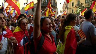 Katalánként Olga a spanyol egységért tüntet