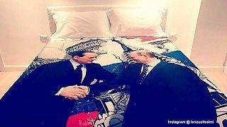 Harter Mann, weiches Bett: Berlusconi schenkt Putin Satin-Bettwäsche zum Geburtstag