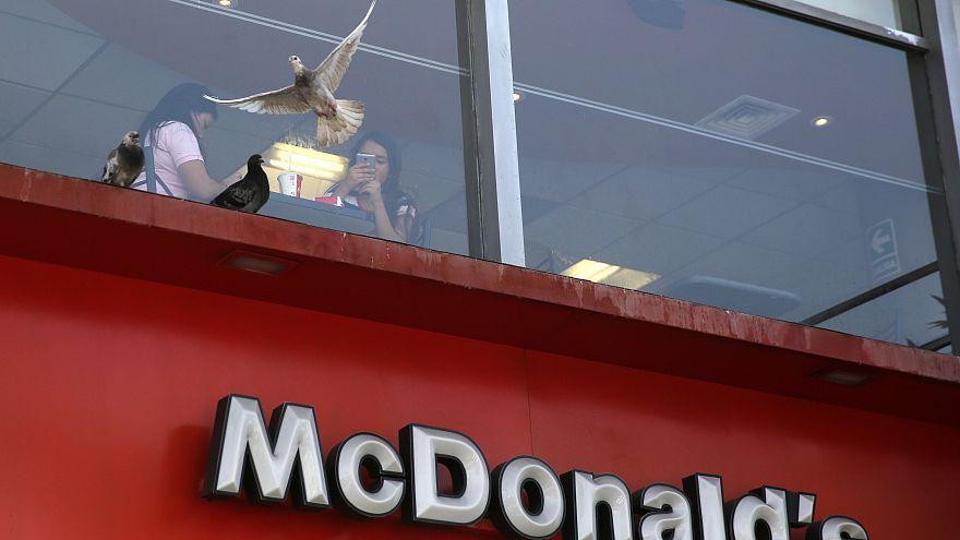 """أزمة في سلسلة مطاعم """"ماكدونالدز"""" بسبب صلصة"""