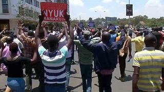 Kenya : l'opposition fait pression