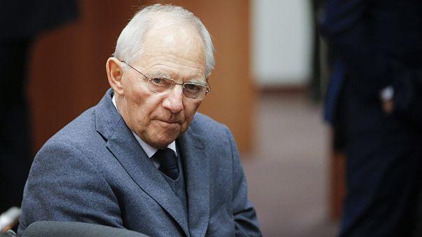 Mε δώρα ο αποχαιρετισμός του Σόιμπλε στο Eurogroup