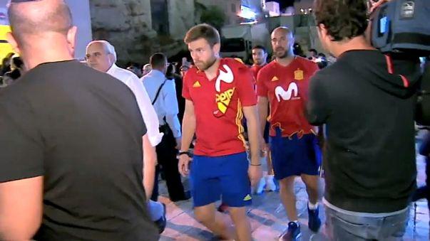 بالفيديو: المنتخب الإسباني يزور الأماكن المقدسة في القدس المحتلة