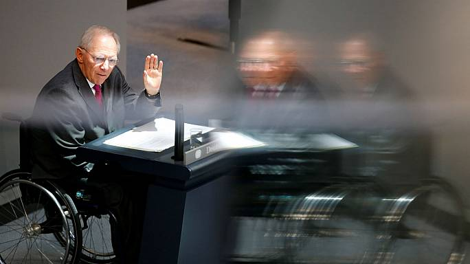 Wolfgang Schaeuble receives custom 100 euro note on last day as German finance minister
