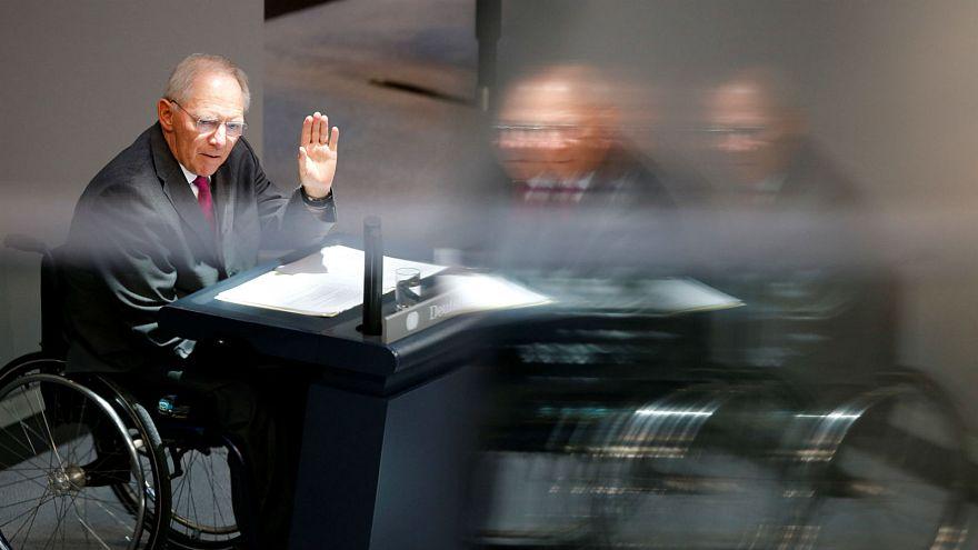 Saját képével díszítették a távozó német pénzügyminiszter euróját