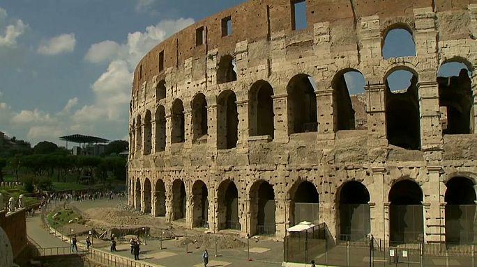Das Kolosseum in Rom wird noch höher