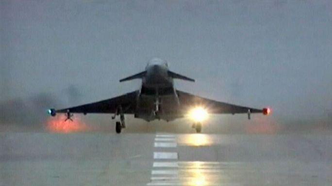 GB: Pochi ordini Eurofighter, BAE System taglia