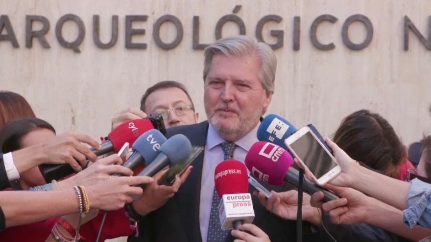"""El Gobierno español pide a Puigdemont que """"no haga nada irreversible"""""""