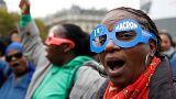 Paris'te işçi sendikaları ve memurlar Macron politikalarını protesto etti