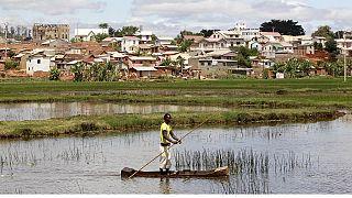 """Madagascar : le président appelle au calme dans la """"guerre"""" contre la peste"""
