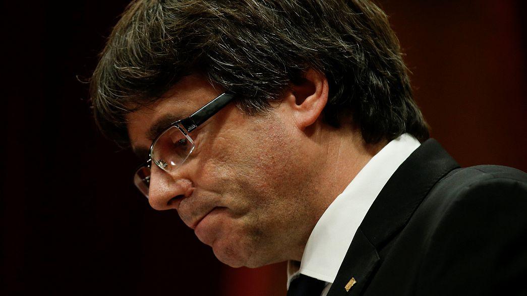"""Catalogne : l'indépendance est """"suspendue"""""""