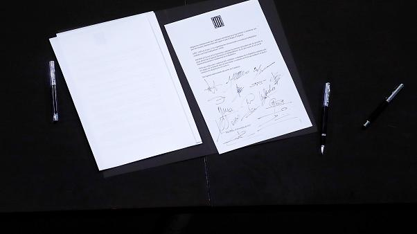 Catalan leader signs declaration document
