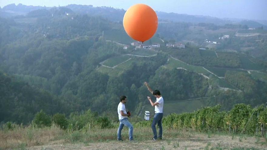 Un palloncino a tutela del vino e del territorio