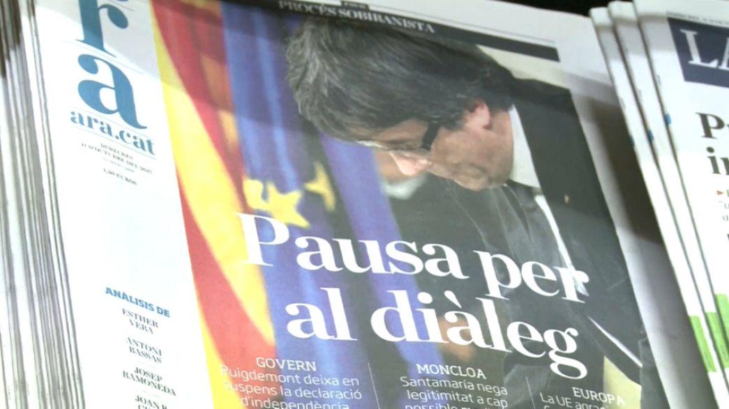 """Le reazioni dei catalani all'indipendenza """"sospesa"""""""
