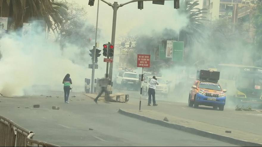 Kenya'da binlerce kişi seçim sürecini protesto etti
