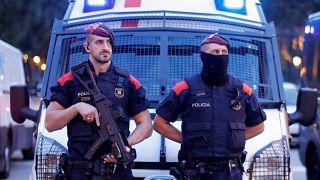 «Δεν έχουμε σχέση με πολιτικές ιδεολογίες» απαντά η καταλανική αστυνομία