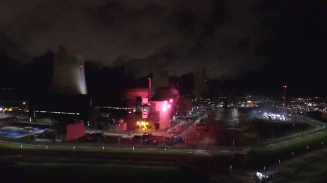 Tűzijáték egy atomerőműben