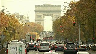 La fin des voitures à essence à Paris en 2030 ?
