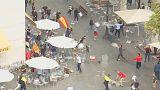 Combat de chaises dans les rues de Barcelone