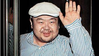 """شاهد: اللحظات الاخيرة لاخ الزعيم """"الكوري الشمالي"""" عقب تعرضه لهجوم الغاز السام"""