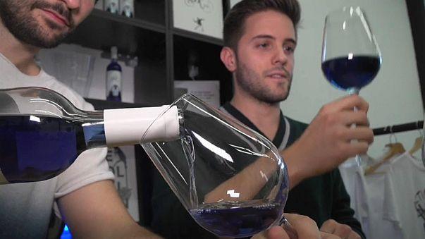 Kann Wein blau sein?