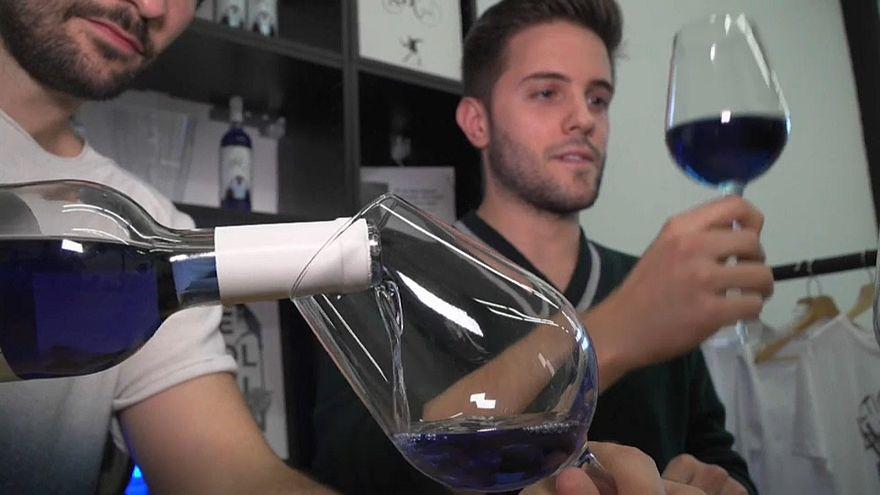 «Μπλε» κρασί από την Ισπανία!