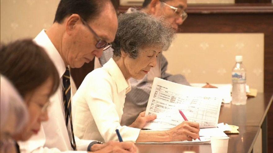 Sobreviventes japoneses contra o Nuclear