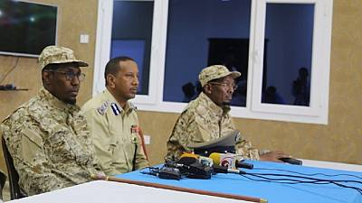 Somali defense minister, army chief resign amid al Shabaab threats