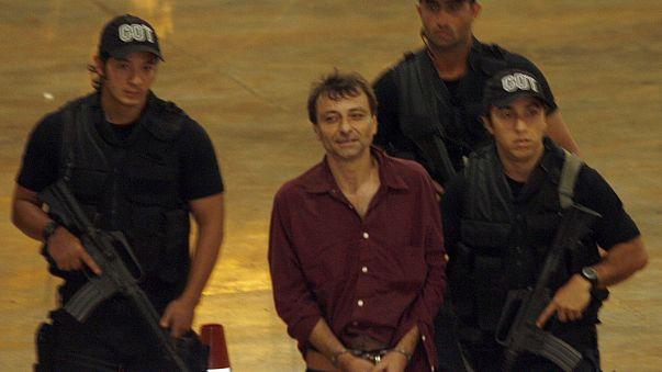 Justiça brasileira aceita providência cautelar que impede extradição de Battisti