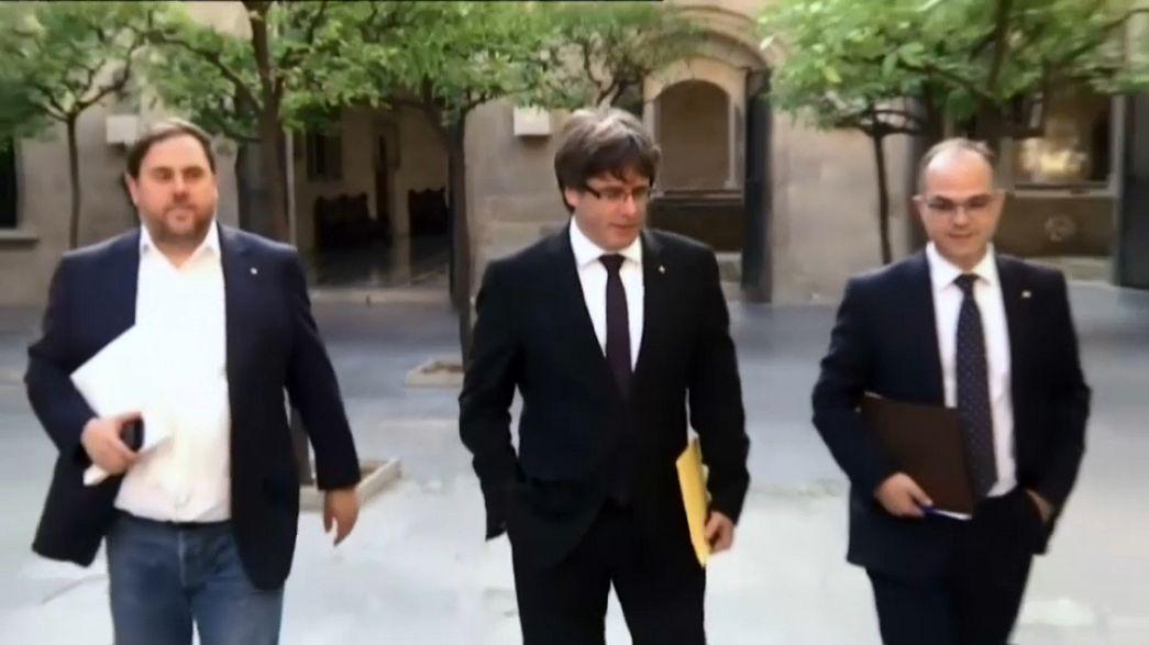 Zwickmühle auf Katalanisch - Puigdemont von zwei Seiten unter Druck