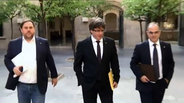 Aliados políticos de Puigdemont exigem confirmação da declaração de independência