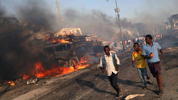 ارتفاع عدد ضحايا تفجيري الصومال إلى 276 قتيلا