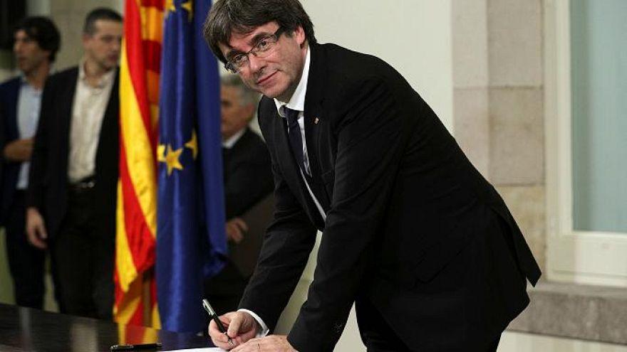 من يقف إلى جانب كاتالونيا في مواجهة إسبانيا؟