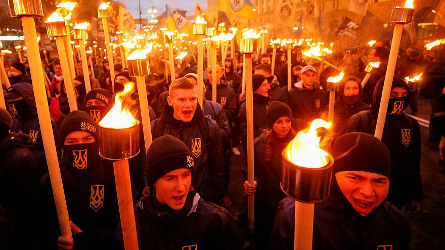 """Marcha do """"Dia dos Defensores"""" em Kiev"""