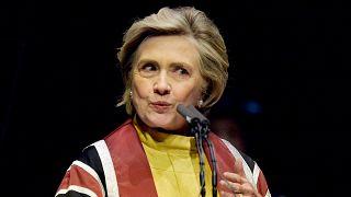 Hillary Clinton békítené Londont és Brüsszelt