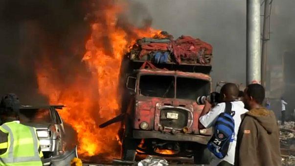 Sobe para 85 o número de vítimas de duplo atentado na Somália