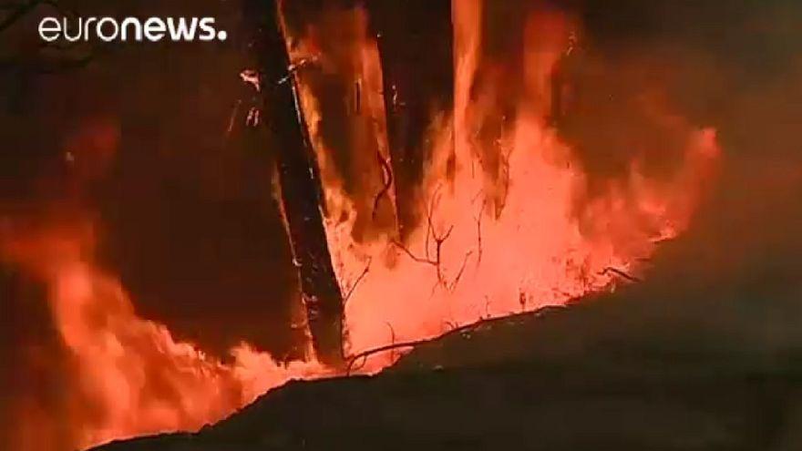 Incêndios de grandes dimensões descontrolados em Portugal