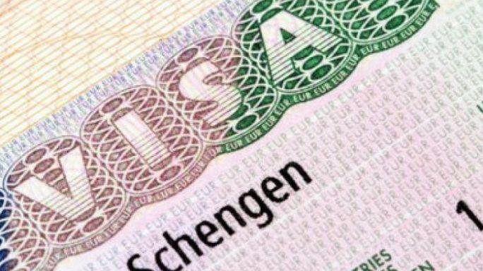 """الاتحاد الأوروبي يفتح تحقيقا حول """"فضائح"""" منح تأشيرات شنغن"""