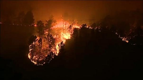 Au moins 27 morts dans les incendies au Portugal