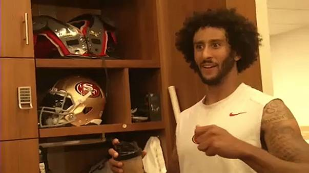Colin Kaepernick processa NFL