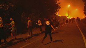 Lucha contra el fuego en las calles de la ciudad de Vigo