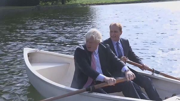 De barco no lago, antes do Brexit