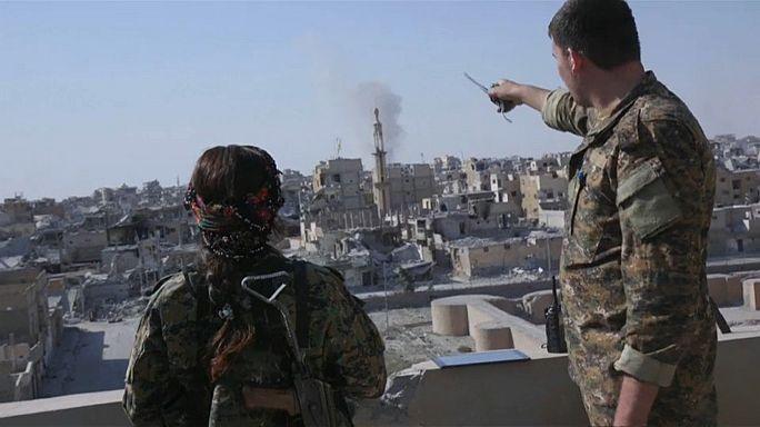 Irak: Jesidinnen kämpfen gegen IS-Dschihadisten
