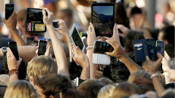 Artificial Intelligence on your mobile: Does it really